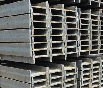 ASTM A992 steel beam packed by steel strips